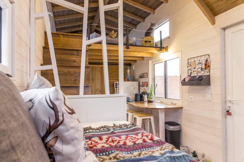 photo tiny house Petit Colibri Une mezzanine comme dans un vrai chalet